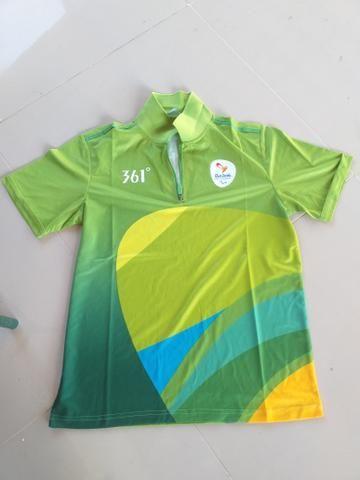 Blusa e tênis olimpíadas - Roupas e calçados - Barro Vermelho e5f2abe3a8ff6