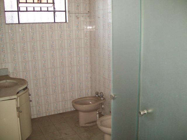 Casa colonial , 3 quartos , 4 vagas , habite-se , joão pinheiro , BH - Foto 8