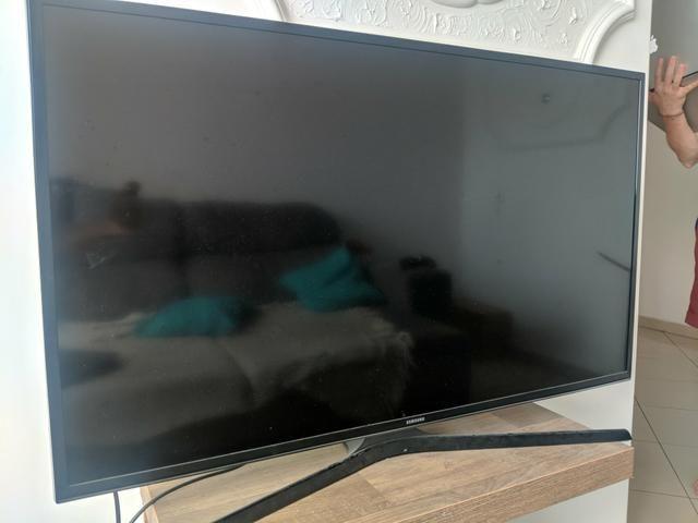 Samsung 40 polegadas 4k smart tv novo