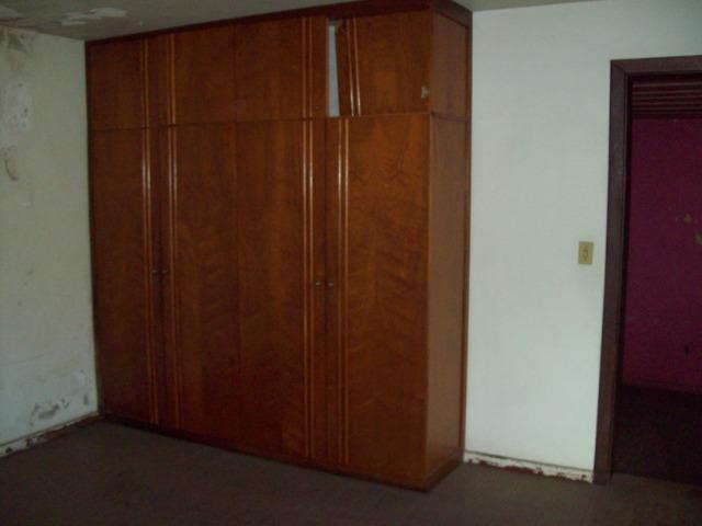 Casa colonial , 3 quartos , 4 vagas , habite-se , joão pinheiro , BH - Foto 9