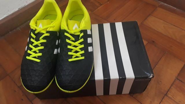 Chuteira Adidas futsal - tam 36