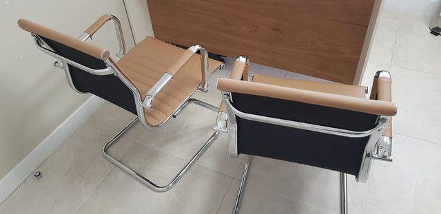 2 Cadeiras escritorio ou consultório
