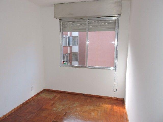 Cód 1960 Ap reformado com Ar condicionado, 02 dormitórios. Próximo da Av. Ipiranga - Foto 10