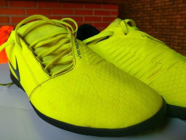 Chuteira Society Nike Phantom Venom Club TF - Verde Limão - Foto 2