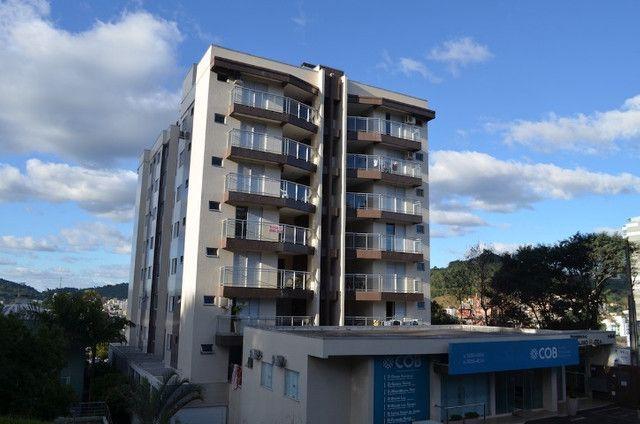 Froza Incorporações aluga, apartamento com 1 suíte e 2 quartos em Fco Beltrão/PR