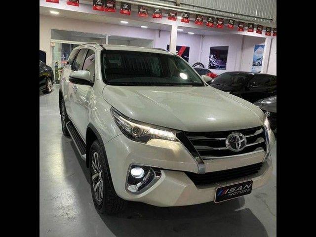Toyota Hilux SW4 SRX 4x4 2.8  - Foto 2