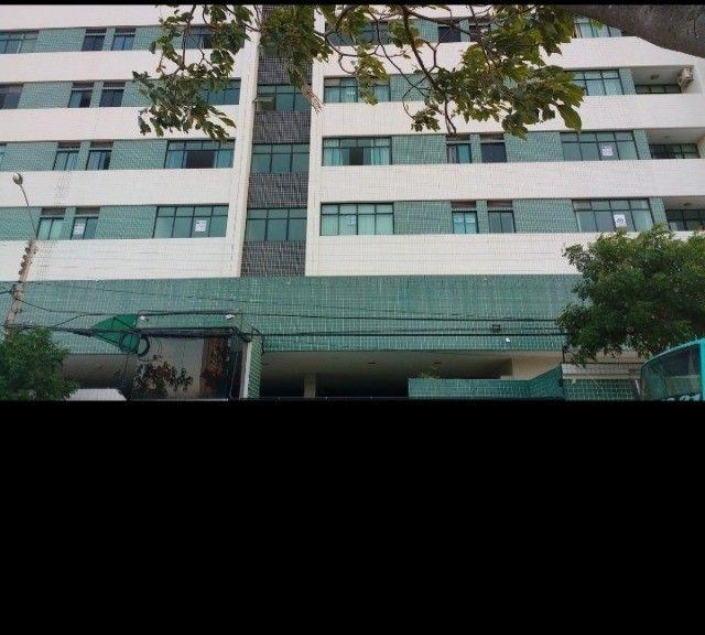 Apartamento no edif.. Tenerife, bairro Universitário em Caruaru