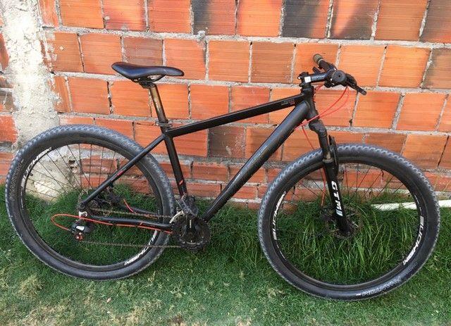 Bike aro 29 top de linha edição especial.
