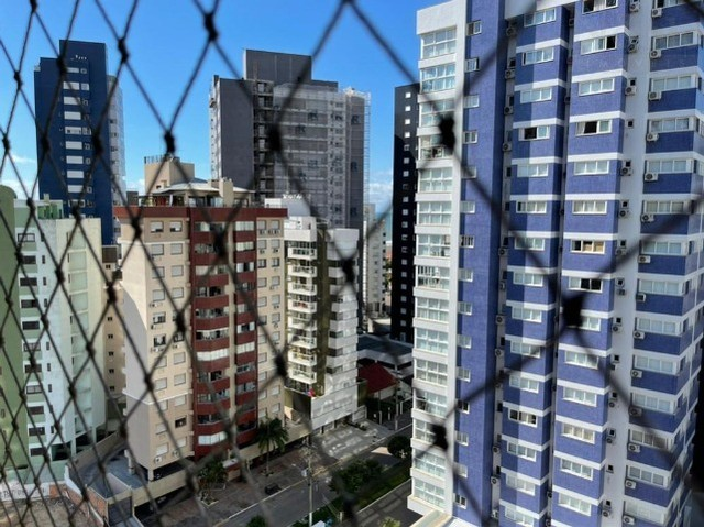 Apartamento 2 dormitórios na Praia Grande, condomínio completo, bem localizado - Foto 10