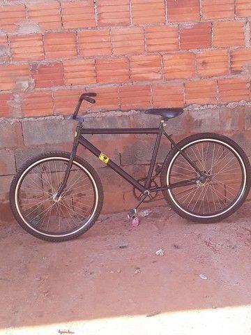 Bicicleta freio de pé!! Ler a descrição - Foto 2