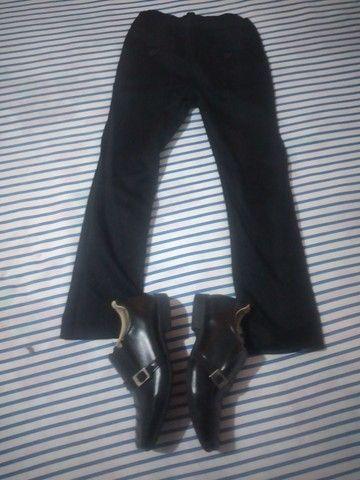 Vendo essa calça soçial e sapato soçial para criança de 6 anos sapato tamanho 29