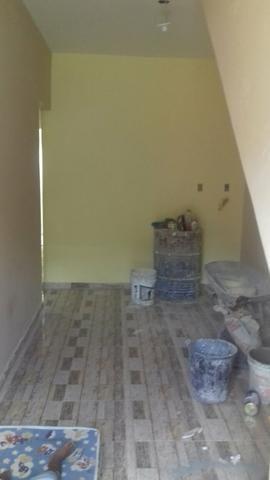 Alugo uma casa no tabuleiro novo próximo a escola estadual Romeu avilar
