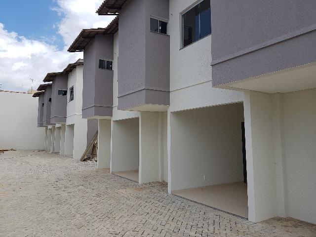 Sobrado Condomínio, Duas Suítes, 81m2, Uma Vaga, Quintal, 606 SUL