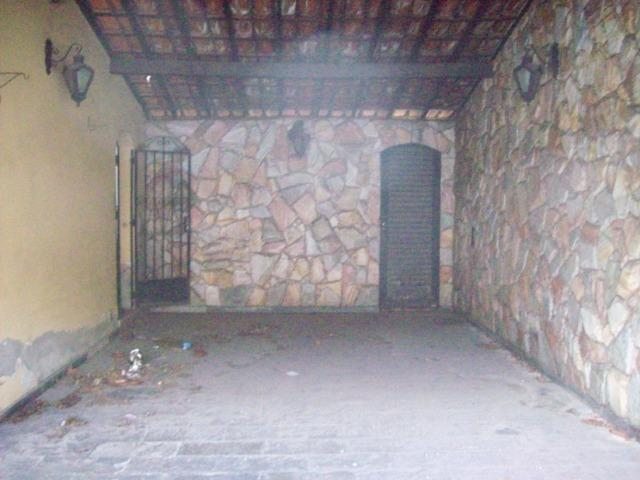 Casa colonial , 3 quartos , 4 vagas , habite-se , joão pinheiro , BH - Foto 3