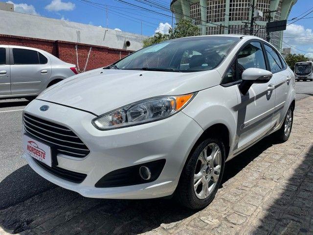 Ford New Fiesta Sedan 1.6 SE 2015 Top de Linha