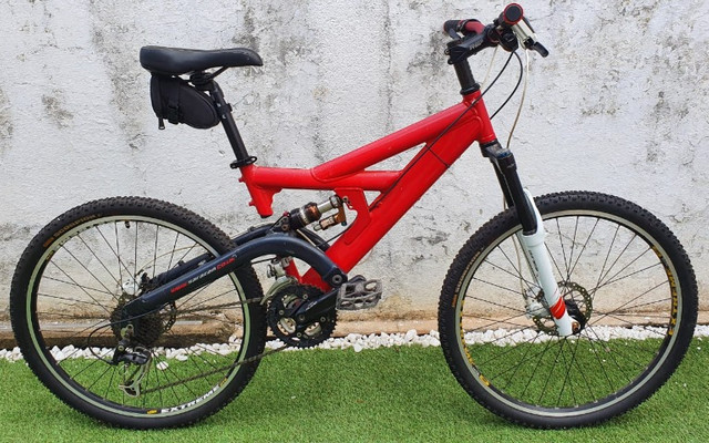 Mountain Bike (Quadro Antiga Caloi Black Widow)