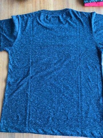 Camisa Preta Basica - Foto 2