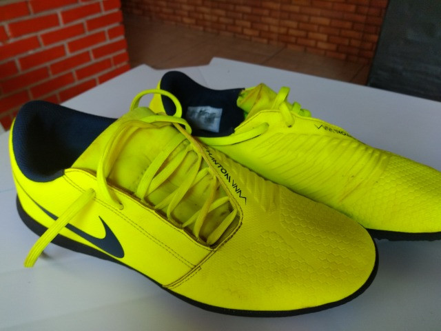 Chuteira Society Nike Phantom Venom Club TF - Verde Limão