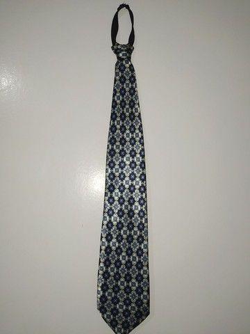 Vendo terno e gravata super conservados. - Foto 6