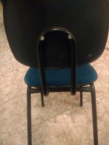 Cadeiras almofadadas azuis  - Foto 3