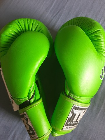 Luva boxe top King couro importada - Foto 3