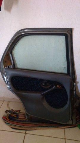 porta traseira do siena 99 - Foto 2