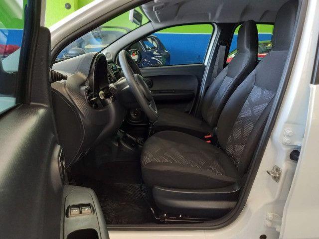 Fiat Mobi Like 1.0, única dona, garantia de fábrica até 2023, apenas 4.000 km! - Foto 11