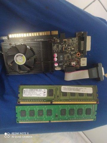 Placa de vídeo GT 720 2G + memória RAM
