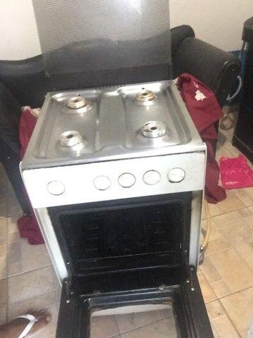 Vendo fogão 4 bocas funcionando tudo  - Foto 3