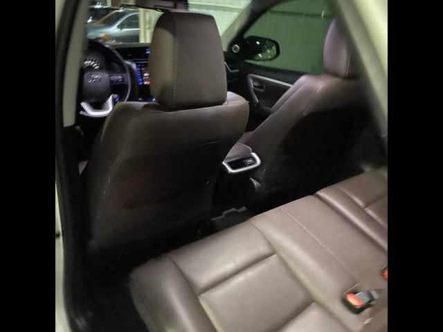 Toyota Hilux SW4 SRX 4x4 2.8  - Foto 9
