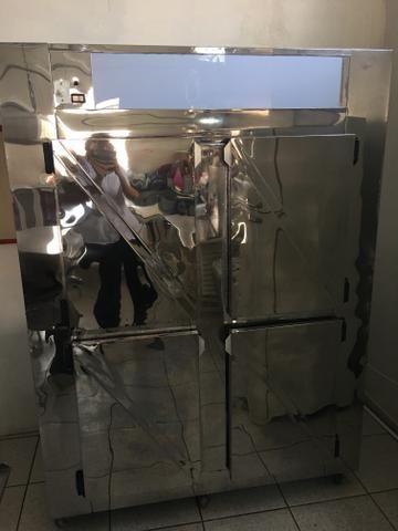 Freezer vertical Inox 4 portas