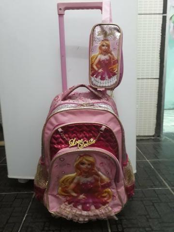 Mochila da Barbie de rodinhas + estojo