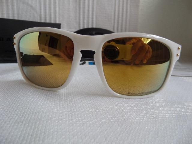 Óculos Oakley Holbrook Polished Shaun White 24k Gold Branco Polarizado -  Importado d4785c4810