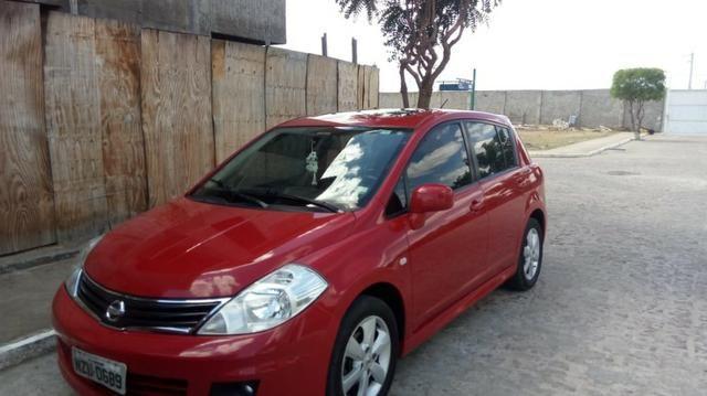 Nissan Tiida 1.8 SL Completo+Banco de couro+Teto solar=Top de Linha!