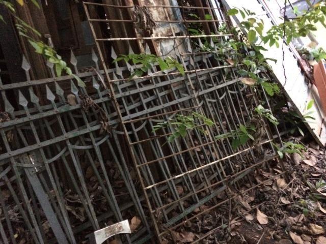 Portas de Madeiras Antigas, Grades Metálicas Antigas, Sofá de Balanço Metálico - Foto 4