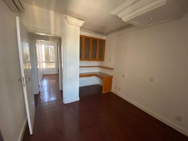 Apartamento possui 202 metros quadrados com 4 quartos em Setor Bueno - Goiânia - GO - Foto 4
