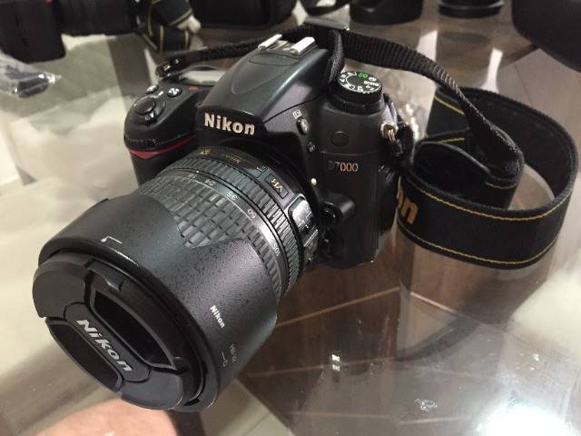 Camera nikon d7000 + carregador + 3 baterias + flash sb910