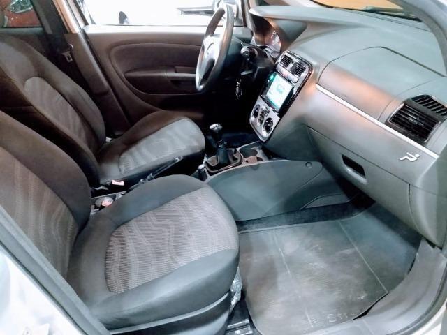 Fiat Punto Attractive 1.4 2011 novo!!! - Foto 14