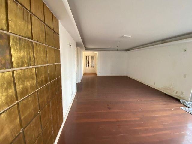 Apartamento possui 202 metros quadrados com 4 quartos em Setor Bueno - Goiânia - GO - Foto 12