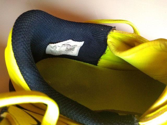 Chuteira Society Nike Phantom Venom Club TF - Verde Limão - Foto 6