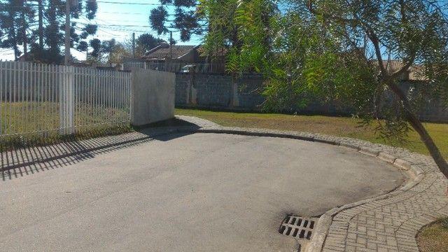 Linda Casa em Condomínio com amplo terreno *Leia o Anúncio* - Foto 9