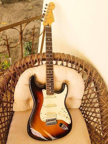 Guitarra fender MIM  - Foto 2