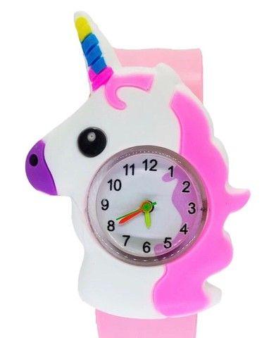 Relógio unicórnio pulseira bate enrola