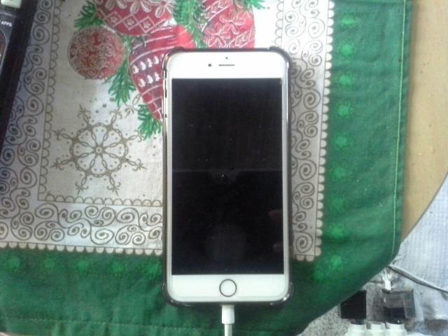 Iphone 6 plus dourado