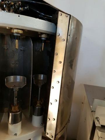 Máquina de engarrafar cerveja e refrigerante - Foto 2