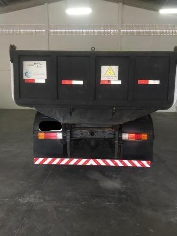 Vendo caminhão MBB 1313 caçamba - Foto 2