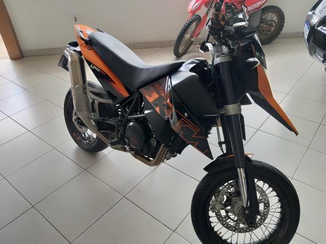 Relíquia moto ktm 690= a 0km - Foto 2