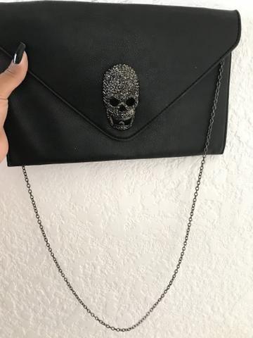 Linda bolsa de caveira