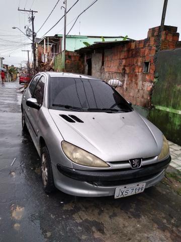 Vendo carro em bem conservado 2004