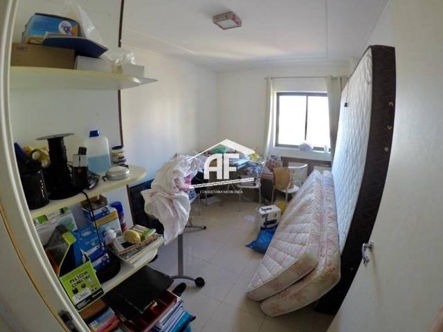 Apartamento no Farol com 4/4 sendo 3 suítes - Ótima localização, ligue já - Foto 14